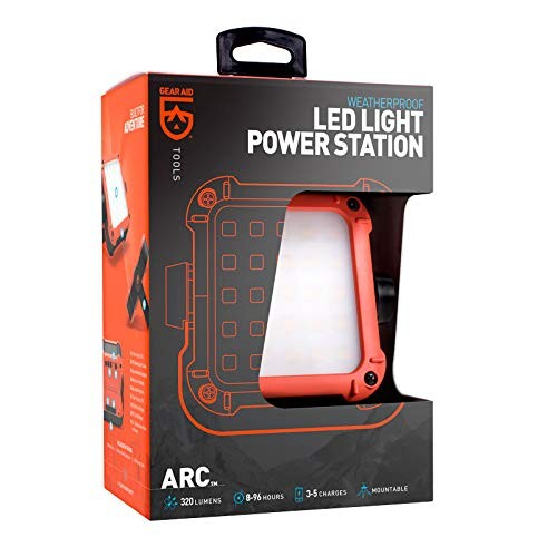Gear Aid ARC LED-Leuchte und Power Station
